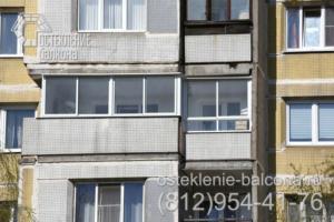 10 Остекление балкона раздвижным профилем в 137 серии