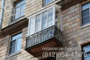 16 Остекление балкона с крышей из поликарбоната
