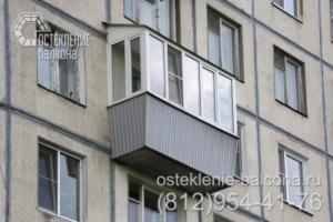08 Остекление балкона в 606 серии с выносом подоконника